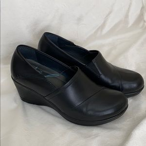 Black Dansko wedges size 38